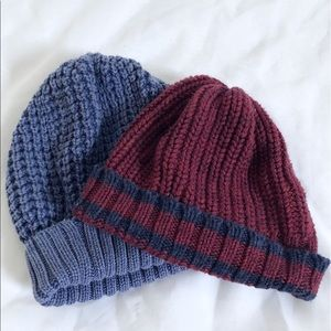 Gap | bundle blue and burgundy knitted beanies